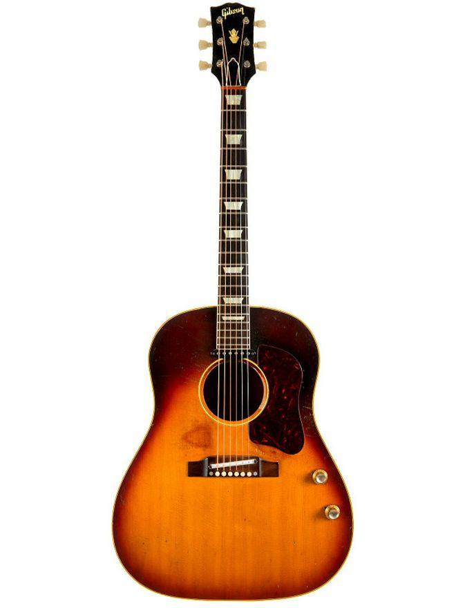 Викрадену гітару Джона Леннона продали за 2,4 млн доларів США