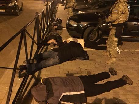 СБУ затримала на Волині організоване угрупування добувачів бурштину