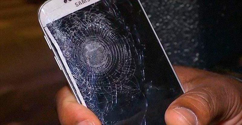 Смартфон врятував життя парижанину під час теракту