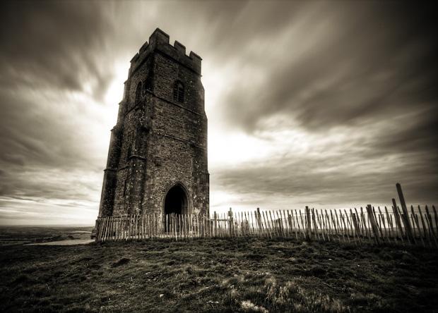 Могила короля Артура в Британії виявилася середньовічною підробкою