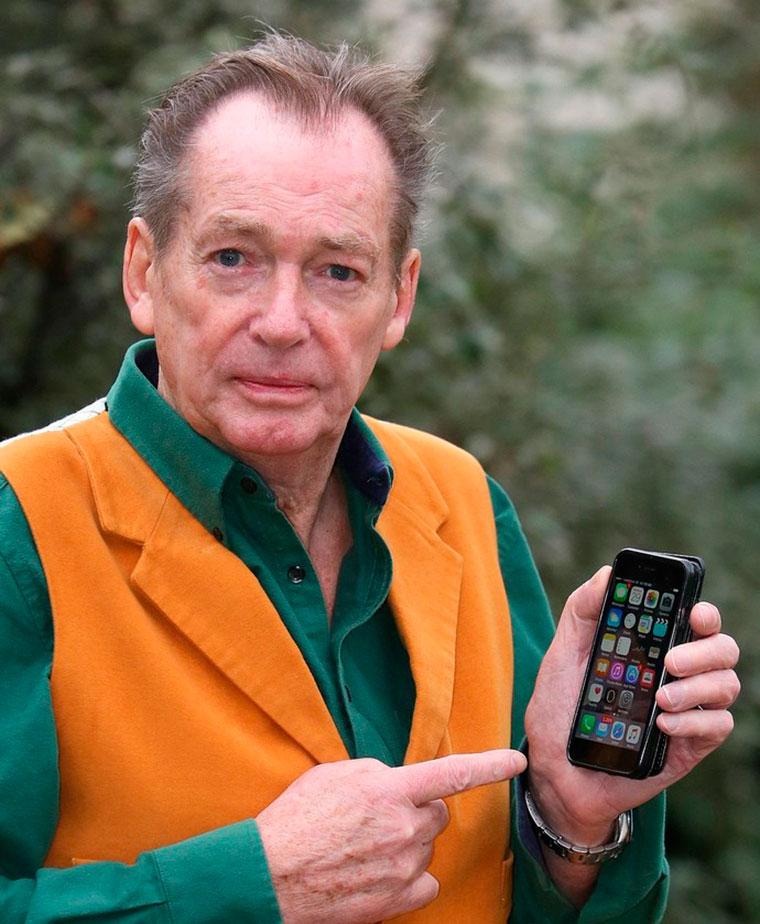 Британський пенсіонер засудив Apple за «стерте життя»