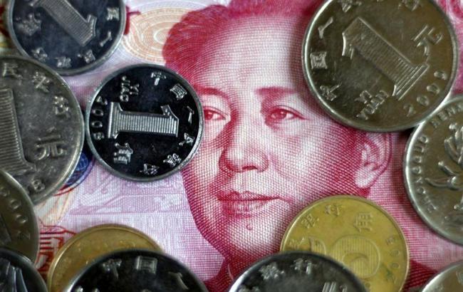 Національна валюта Китаю слабшає