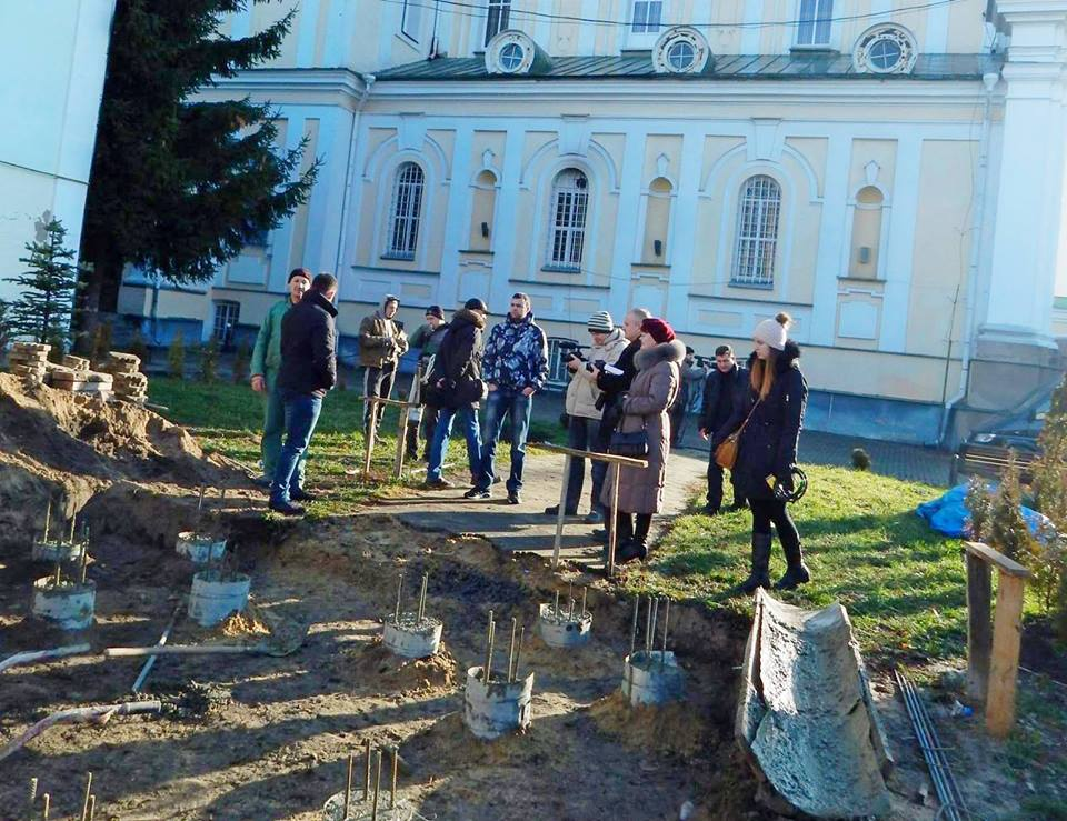 Голова Волинської ОДА звернувся в прокуратуру через будівництво біля собору