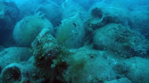 Біля берегів Греції знайшли затонулий корабель зі скарбами