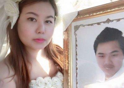 У Таїланді дівчина вийшла заміж за труп свого коханого