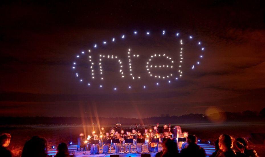 Компанія INTEL організувала шоу за участю 100 дронів (відео)