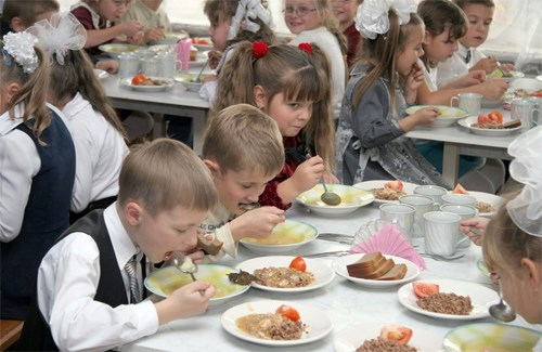 У ковельських школах до кінця навчального року «першачки» їстимуть безплатно