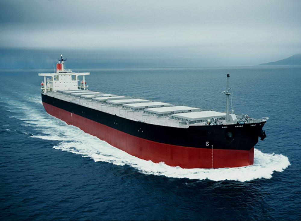 Перший танкер з нафтою зі США прибув до Європи