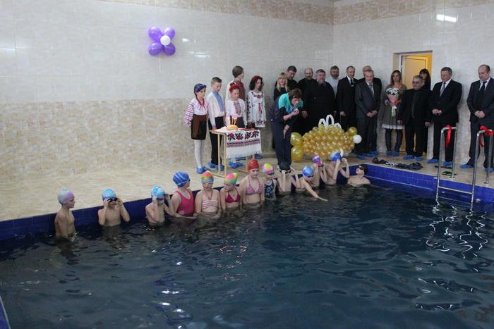Школярі 20-ї школи міста Луцьк відтепер плаватимуть у капітально відремонтованому басейні
