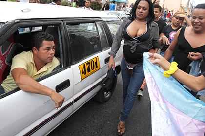 В Індії з'явиться служба таксі з водіями-трансгендерами