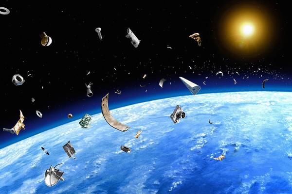 Учені вважають, що через сміття на орбіті Землі може початися війна
