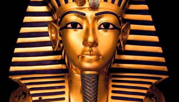 Єгипетських музейників віддали під суд за відірвану бороду Тутанхамона