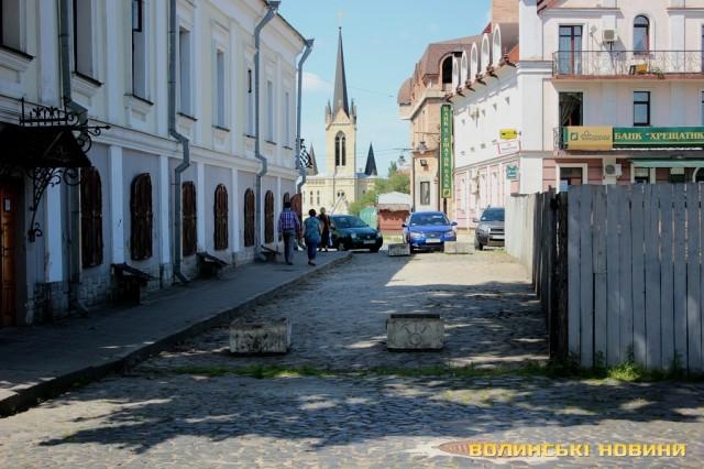 З 1 березня у Старому місті Луцька запровадять платне паркування