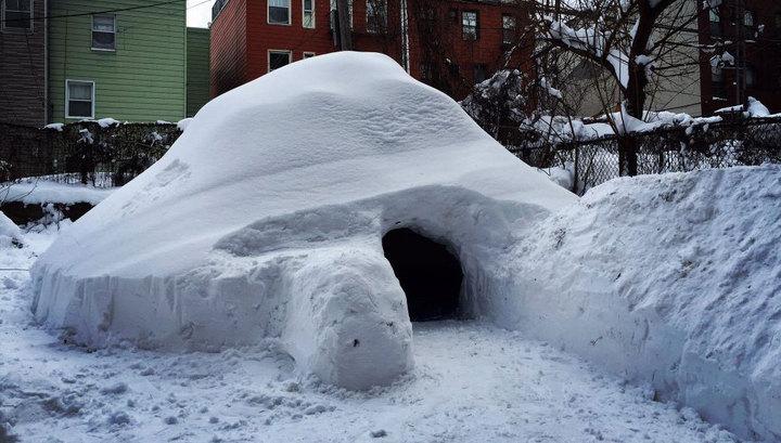 Американець побудував будиночок зі снігу і здав його в оренду