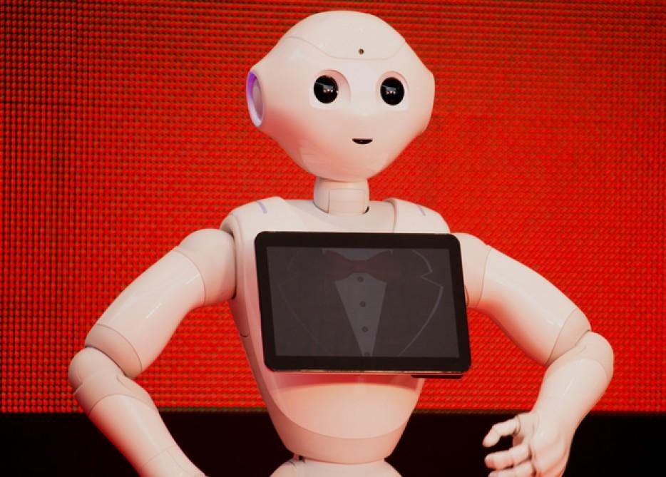 Японці замінюють продавців-консультантів роботами