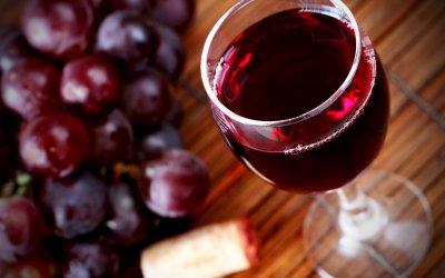 В Іспанії помер 107-річний довгожитель, що пив замість води вино
