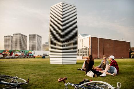 У Нідерландах очисник повітря перетворює смог у прикраси