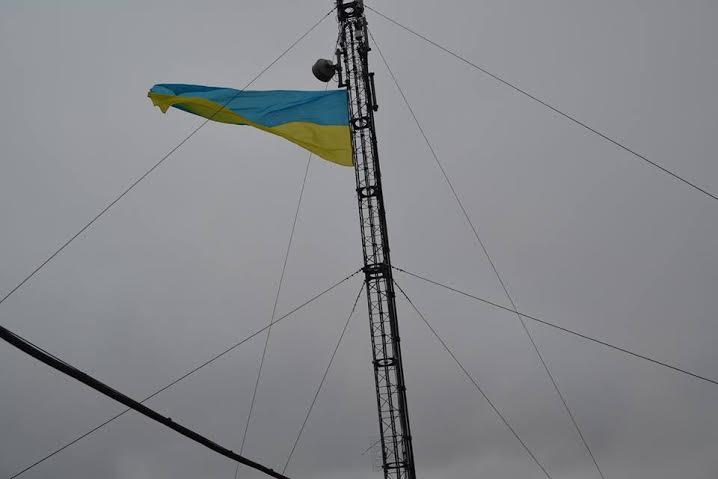 Над Рожищем замайорів найбільший на Волині прапор