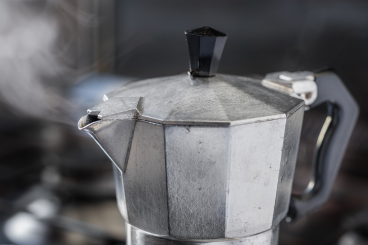 В Італії винахідника кавоварки поховали в його ж винаході