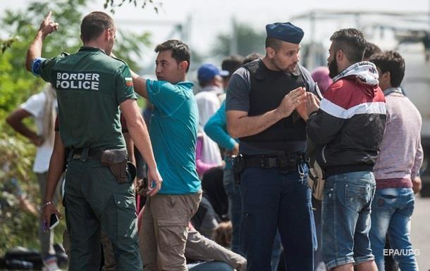 Греки нервують: їхня країна поступово перетворюється в табір для біженців