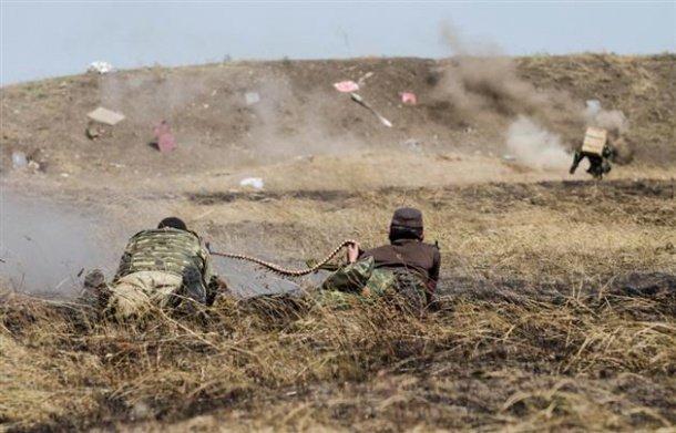 За добу російські терористичні війська 54 рази обстріляли позиції сил АТО