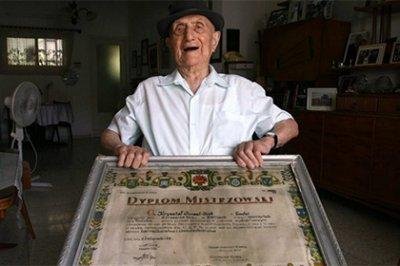Колишній в'язень Освєнцима визнаний найстарішим чоловіком на Землі