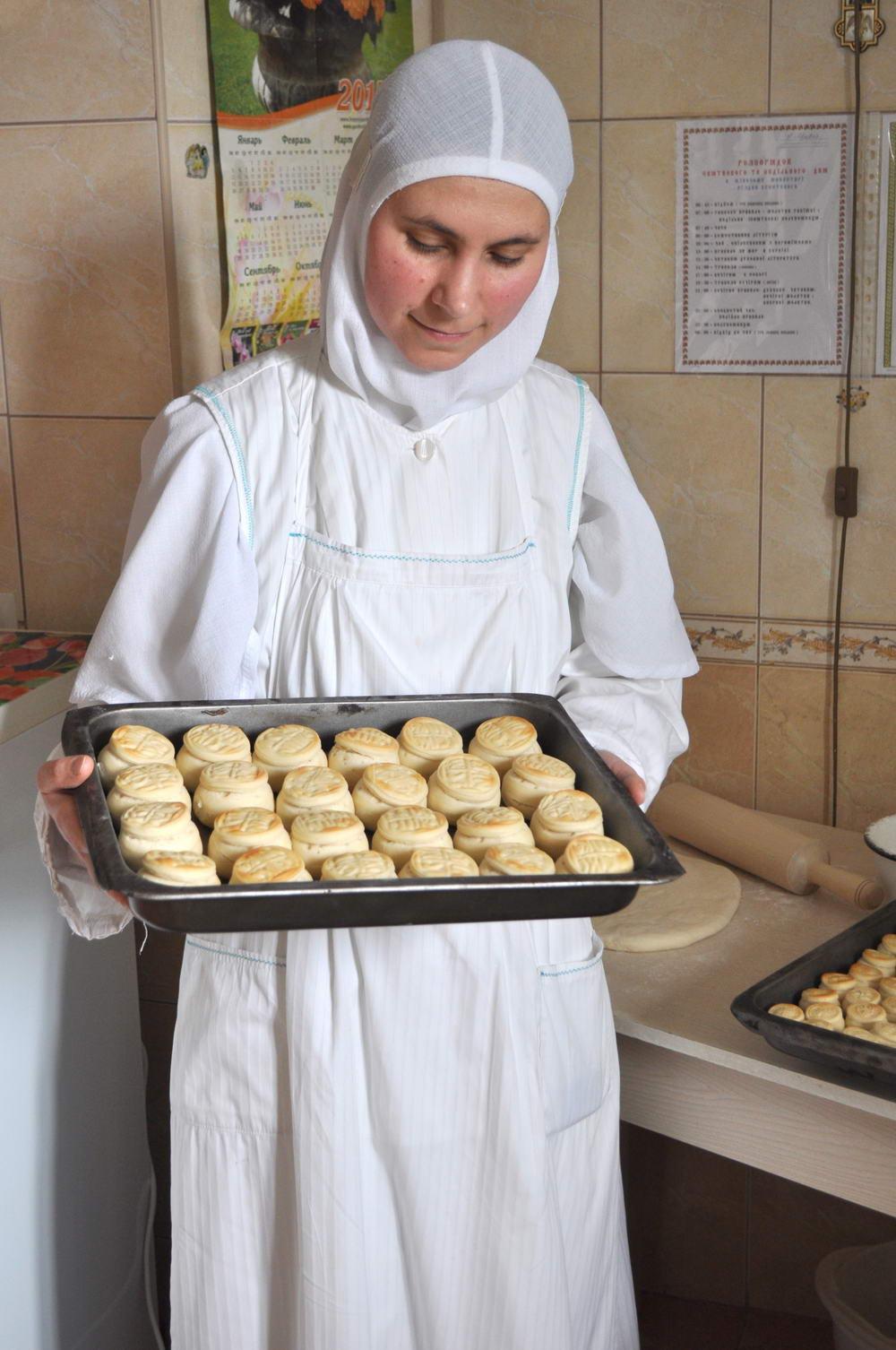 З молитвами та за уставом живуть у жіночому монастирі