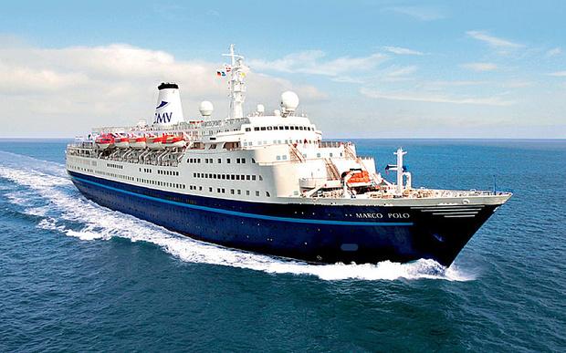 Британка намагалася вплав наздогнати круїзний лайнер, який вже пішов з порту