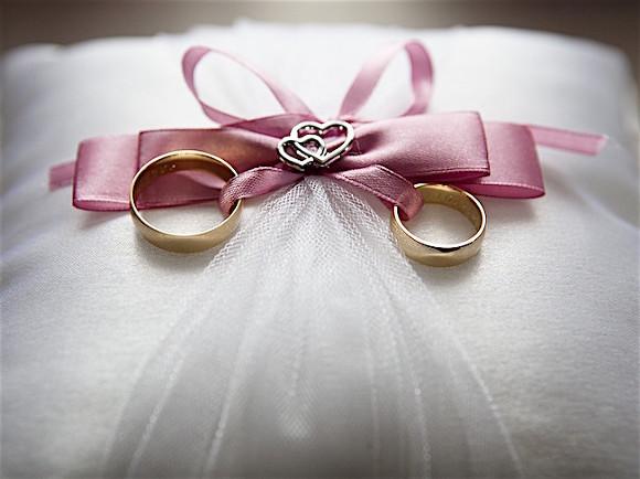 Американка, яка вийшла заміж за саму себе, розповіла про особливості власного сімейного життя