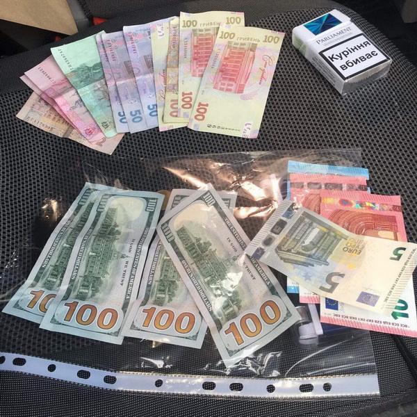 СБУ затримала на хабарі одного з керівників митного поста «Луцьк»