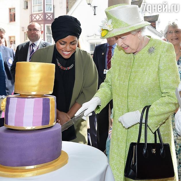 Молода британська кухарка ризикнула змінити меню королеви Єлизавети II