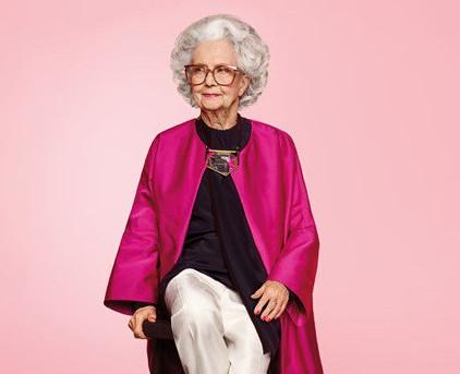 Столітня британка стала моделлю Vogue (відео)