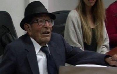 96-річний Альфонсо Гонсалес успішно закінчив навчання в Університеті Південної Каліфорнії