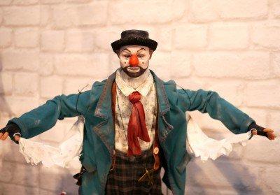 У Москві чоловіка обікрав карлик, який вдавав із себе ляльку