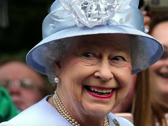 У Великобританії вийшла книга про 90-річчя Вінні-Пуха та королеви Єлизавети