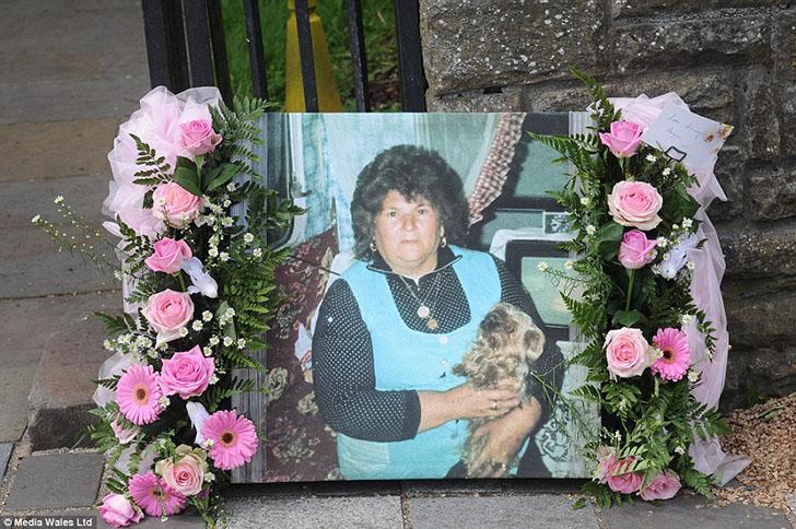 Британців вразив похорон англійської королеви циганів