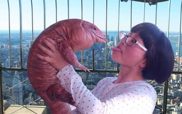 Американка та її величезна ящірка стали інтернет-сенсацією