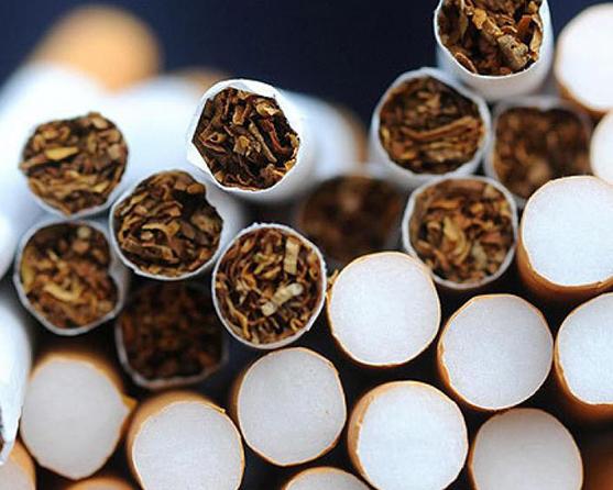 Білорусь визнали лідером з контрабанди сигарет до ЄС