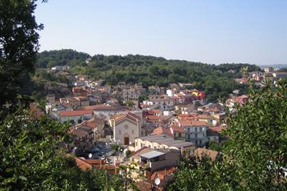 Мер італійського міста хоче продати його китайцям