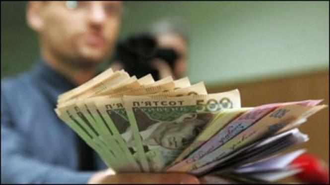 Розрахунки готівкою за участю фізичних осіб планують зменшити до 50 тис. грн