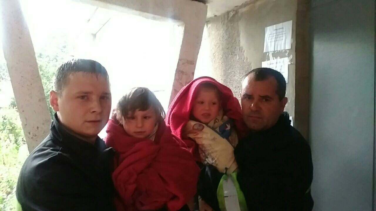 Луцькі пожежники врятували від вогню двох дітей