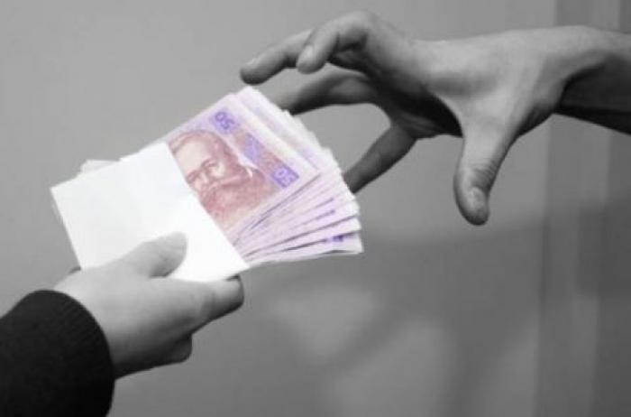У Любешові невідома жінка  ошукала неповнолітню на 50 тисяч гривень
