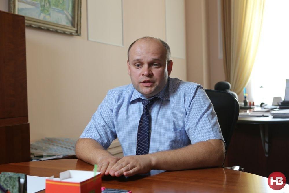 Місячний оклад голови Нацбанку України складає 163 тисячі