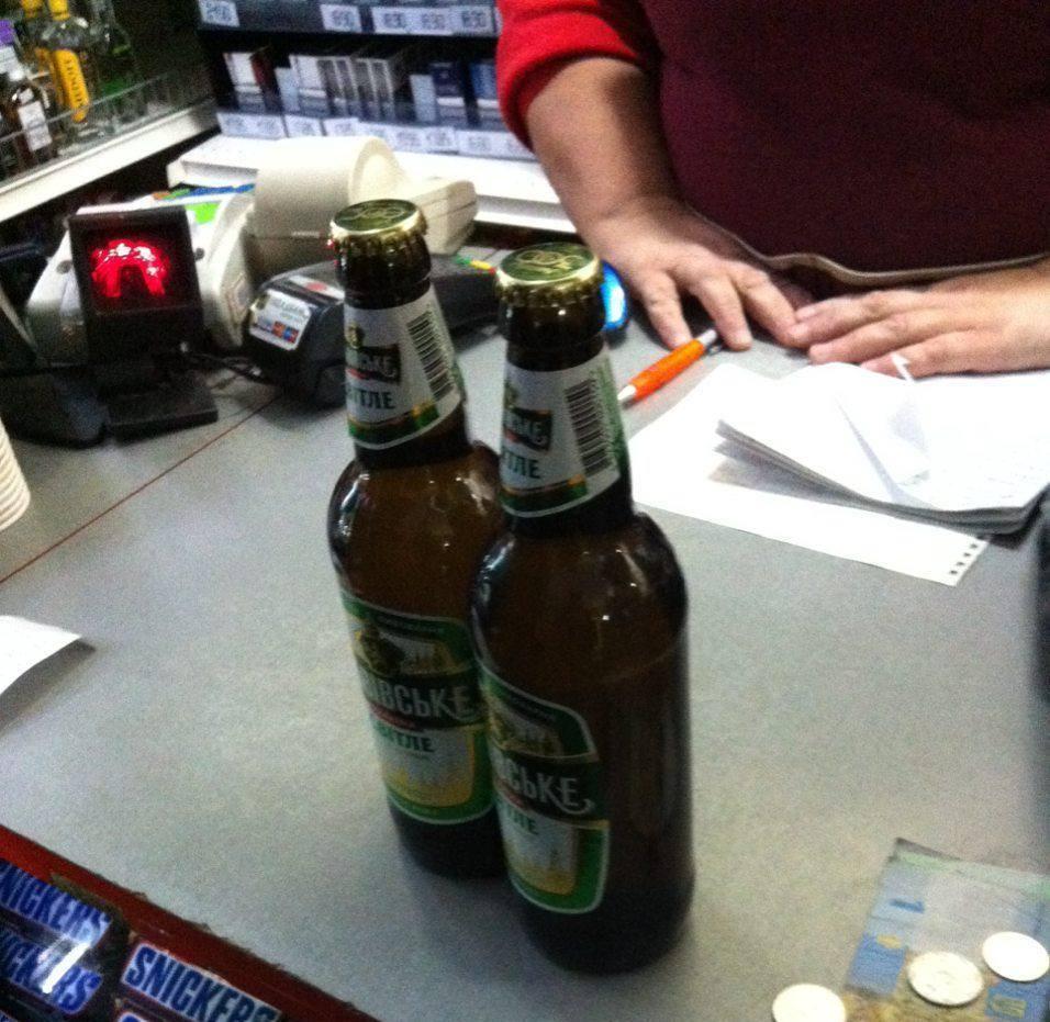Луцькі патрульні з муніципалами виявили незаконний продаж алкоголю