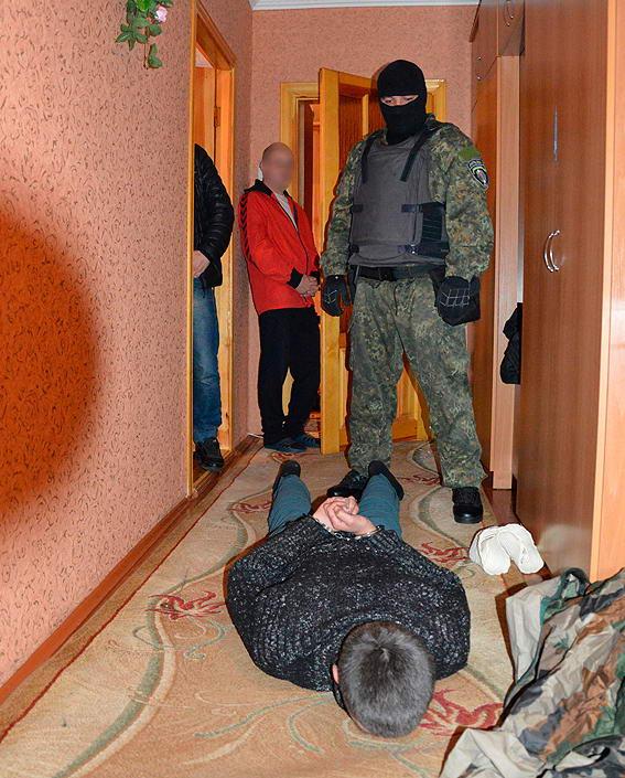На Волині затримано бандита, який втік, взявши у заручники поліцейських (відео)