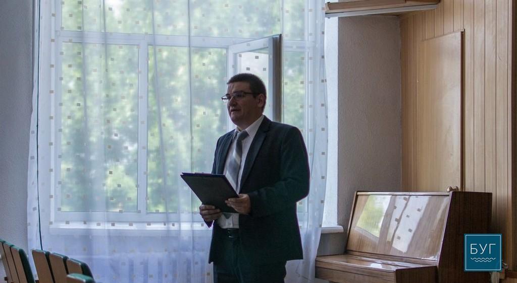 Директору Нововолинського ліцею закидають непрозорі витрати, крадіжки продуктів