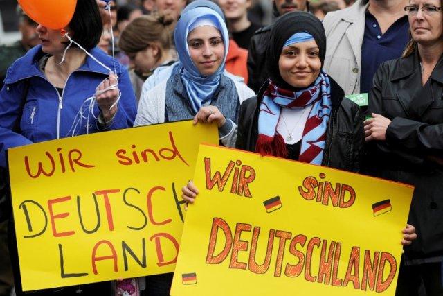 Risultati immagini per біженці німеччина