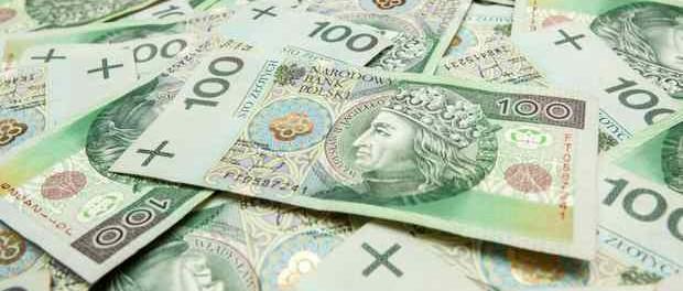 Українці вміють рахувати та порівнювати зарплатню: 150$ в Україні та 600$ у Польщі