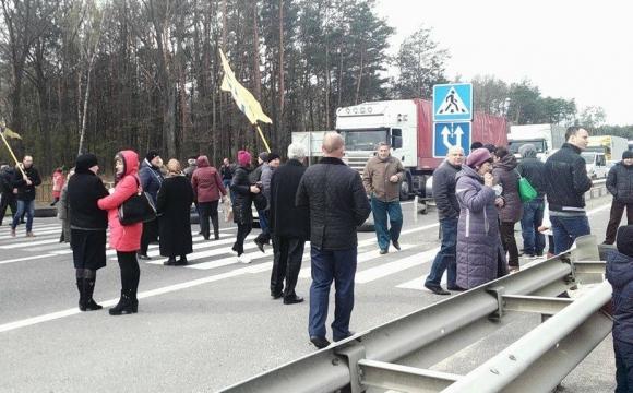 На Волині третій день поспіль перекривають трасу «Київ-Ковель-Ягодин»