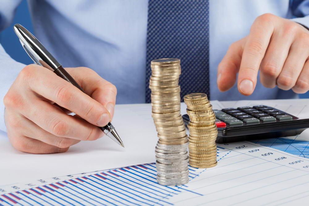 Працівники місцевих органів влади отримуватимуть більшу зарплатню